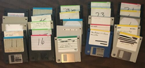 """Lot of 25 Apple Computer formatted 3.5"""" floppy disks"""