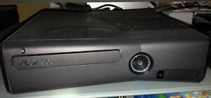 Xbox 360 w/2 Controllers