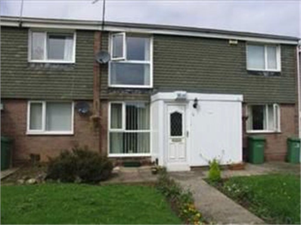 Fantastic 2 bedroom upper floor Apartment situated in Milcombe Close, Moorside, Sunderland.
