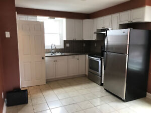 **AWESOME 3 Bedroom House + CLOSE TO EVERYTHING** 209P1