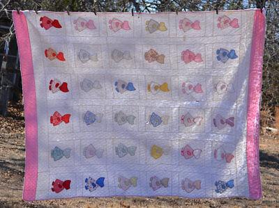 Vintage Sunbonnet Sue Applique  Quilt white w/ pink border aprx 98x80
