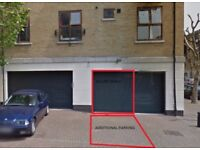 Garage in West Silvertown, E16, London (SP42428)