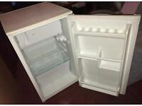 Under Worktop Fridge With Freezer Box, Frigidaire