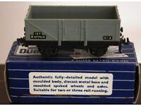 Hornby-Dublo 32074 S.D. 6 13-Ton Standard Wagon B.R. B477015