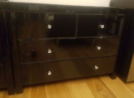 Chest of drawers - Black mirrored glass finish