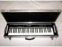 High Quality Hard Case for 61 Keys Keyboard , Synthesizer , Roland , Korg , Yamaha , Kurzweil.