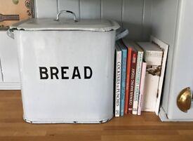 Genuine vintage/retro enamel breadbin, 1940s/50s Extra large