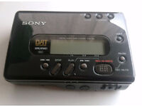 Sony TCD-D8 DAT Walkman Digital Audio Tape Player/Recorder