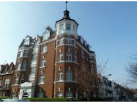 Beautiful 2 Bed Flat In Hurlingham Court Mansions Overlooking Park Close To Station & Amenities