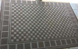 Brown checkered rug 160cm x 230cm Padstow Bankstown Area Preview