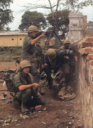 Vietnam War USMC M60 Gunner Support Hue City Tet Offensive Grainey 8.5x11 Photo