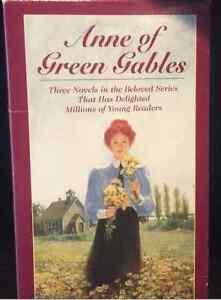 VINTAGE Gift Set of Anne of Green Gables Books