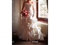 Stunning Allure Wedding Dress Size 14