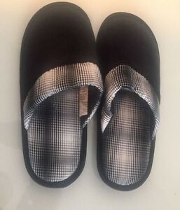 Men's Slippers Sz. Small. Worn maybe 15-20 Mins. $3.00