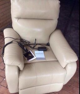 LEATHER MORAN POWER / RECLINER Glenelg Holdfast Bay Preview