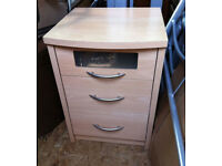 QUALITY BEECH MAPLE WOODEN BED SIDE TABLE LOCKER 3 DRAWER UNIT
