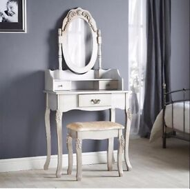 Dressing table brand new unwanted gift