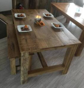 table en bois de grange présentement 6 tables''stock''disponible