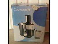 Cookworks fruit juicer in box
