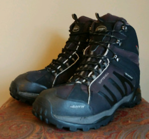 Baffin Mens ZONE Size 11  Hiking Boots
