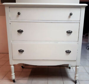 Shabby chic 3 drawer dresser