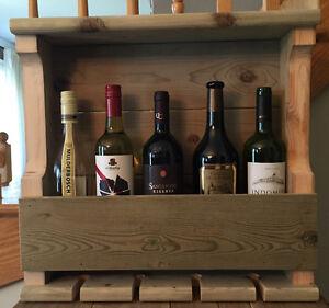 Support à vin à suspendre au mur 5 bouteilles de vin et 4 coupes