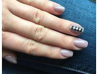 Gel nail extensions, infills, gel polishing, gel covering. Makeups