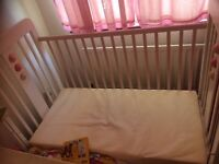 Solid Sturdy Quality White Wooden Baby Child Cot Bed Mattress Young Family Grandparents Rental