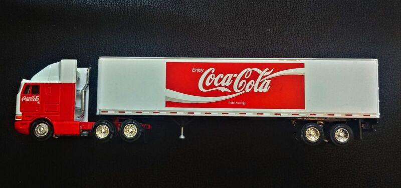 PEM 1:64 Scale Coca-Cola International / 45