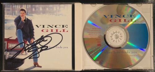 VINCE GILL signed When Love Finds You CD cover w/ CD Autographed Nashville PROOF