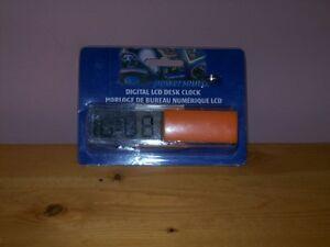 desk clock/clock radio