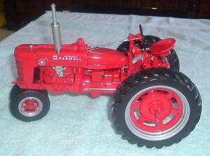 Brand New Farmall Model H Tractor - Precision Model - 1: 12 Scale Pooraka Salisbury Area Preview