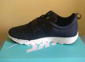 Nike Trainerendor Black UK10 Mens Trainers NEW