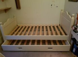 Single Trundle Bed Solid Hardwood (Painted)