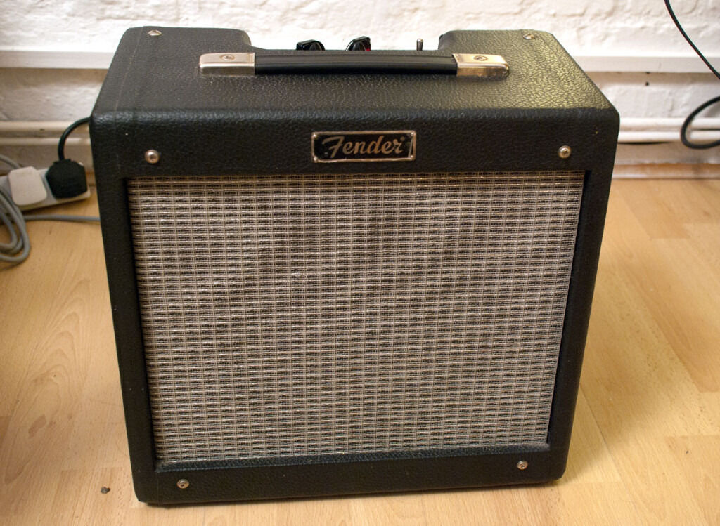 fender pro junior tube guitar amplifier a lot of punch for a small amplifier in hackney. Black Bedroom Furniture Sets. Home Design Ideas