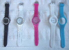 WATCHES: collection 4 x Ladies' quartz analogue/jelly straps. £5 ovno lot. Also available separately