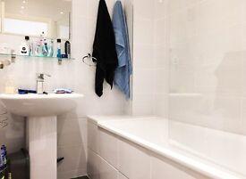 2 bedroom Flat for rent: Langham Gardens, Gordon Road, Ealing