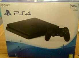 Ps4 slim 500gb two controllers two games