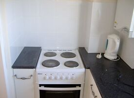 Studio apartment to let in St Ives, Cambridgeshire, Clean, modern, available NOW
