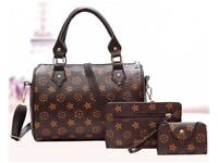 Patterned woman's 3 piece handbag set