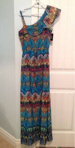 Beautiful Guess dress - women's size 8 - new with tags