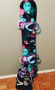 Ladies Burton Snowboard & Ladies Burton Boots *Brand New*