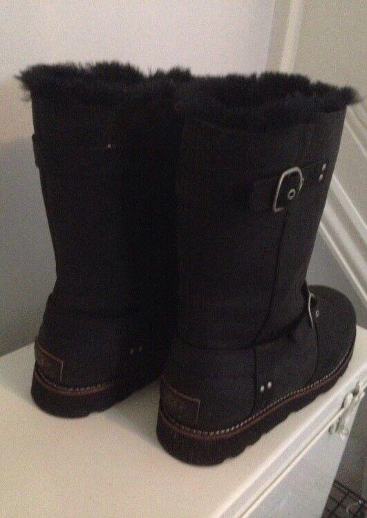 Noira ugg boots - new