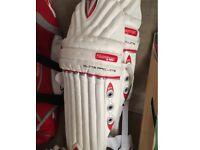 Slazenger Cricket set (few scuffs on bat)