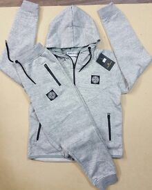 Kids Tracksuits ages 7-13 10 for 200£