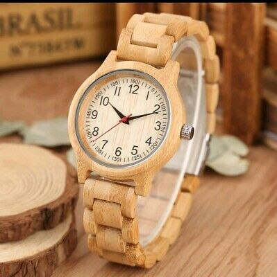 Schöne Damen Armbanduhr aus Holz ultra leicht 31g