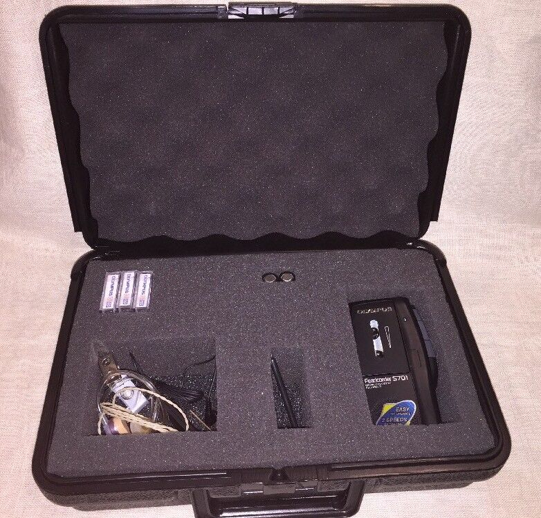 Olympus Pearlcorder S701 Handheld Micro Cassette Recorder W/ Microphone & More