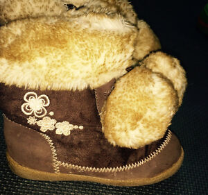 Old Navy Brown Faux Suede Boots Toddlers Size 10