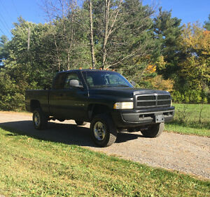 1999 Dodge Power Ram 1500 Laramie Pickup Truck