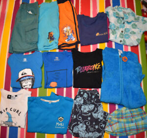 13 pieces 3-4 years old clothes : catimini, billabong, rip curl,